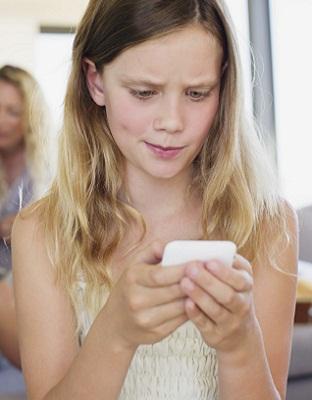 Ciberbullying escolar: ¿qué es y cómo detectarlo?